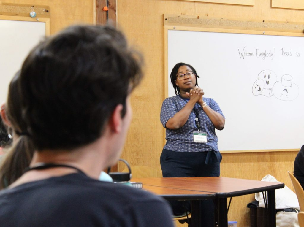 Déana Scipio leads a class for the IslandWood Graduate Program.