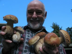 Andrew MacMillan of the Kitsap Peninsula Mycological Society, with fungi!